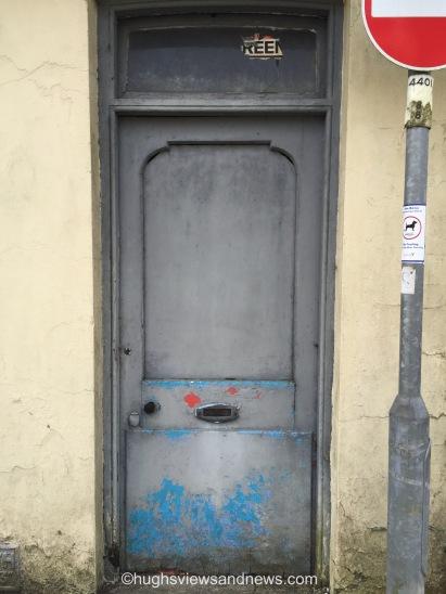 #doors #photography #ThursdayDoors #flashfiction